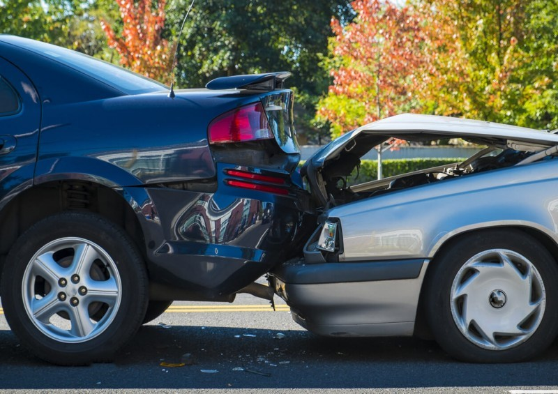 A Step By Step Guide To Deal With Car Accidents